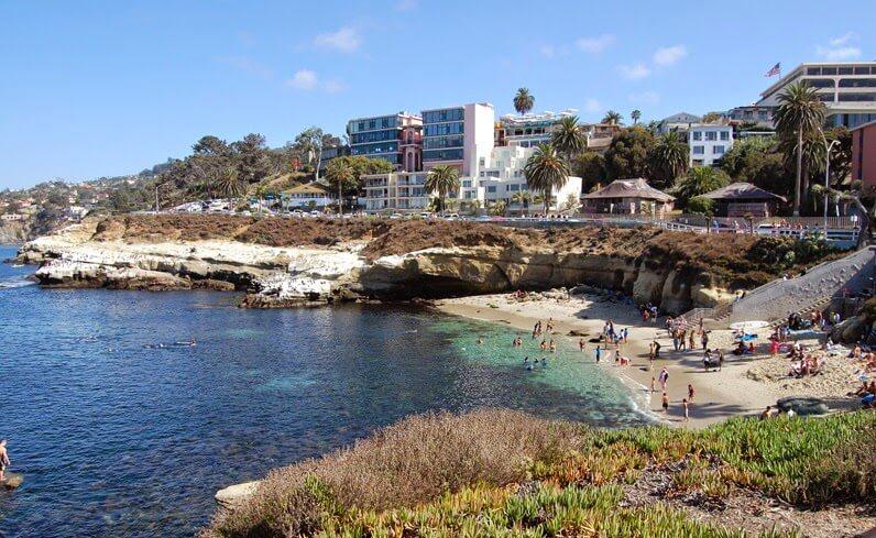 Praia de La Jolla em San Diego na Califórnia