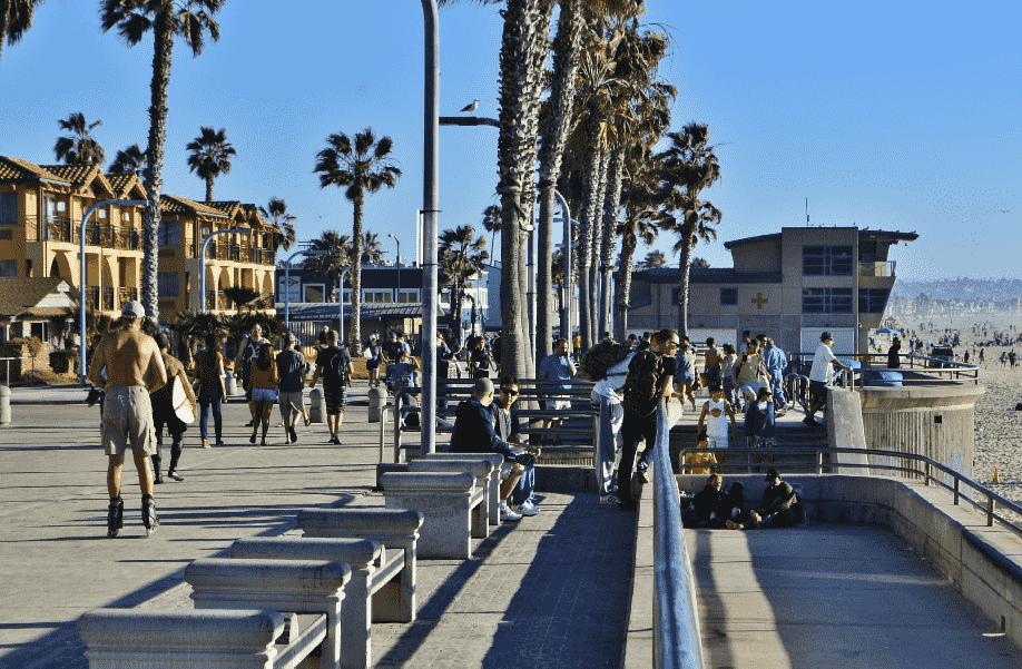 Praia de Pacific Beach em San Diego