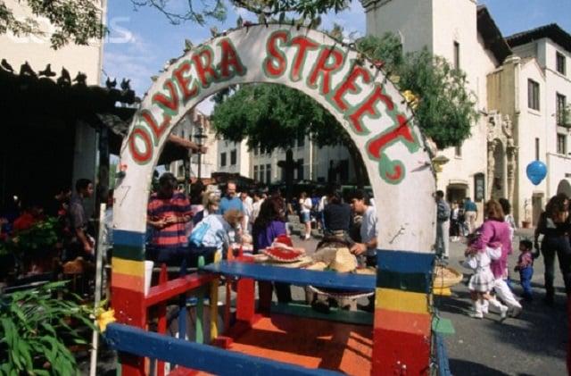 Atrativos na Olvera Street em Los Angeles