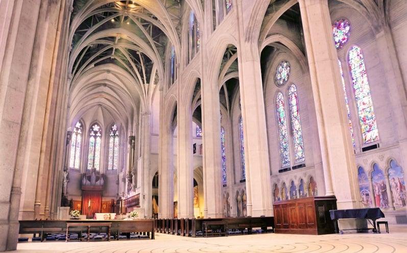 Informações sobre a Grace Cathedral em San Francisco