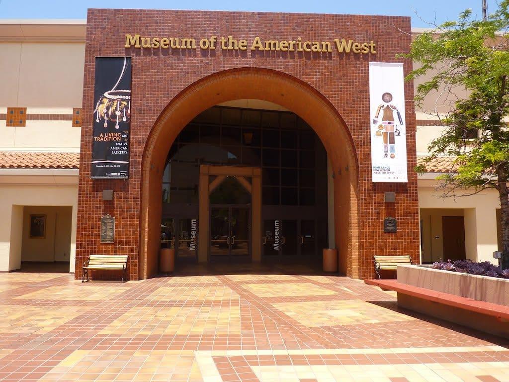 Como chegar ao Museum The Autry National Center em Los Angeles