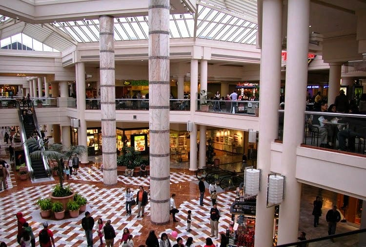 Shopping Stonestown Galleria Mall em San Francisco