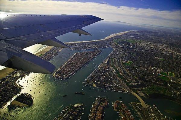Avião do Brasil até a Califórnia