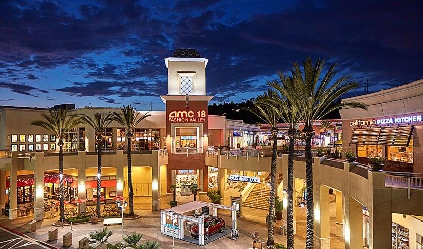 Compra de relógios no Shopping Fashion Valley Mall em San Diego