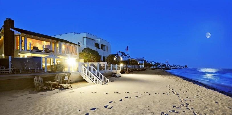 Praia de Malibu na Califórnia