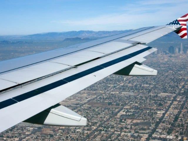 Tempo de avião até Los Angeles