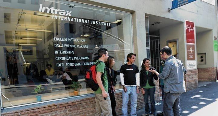 Escola Intrax em San Diego