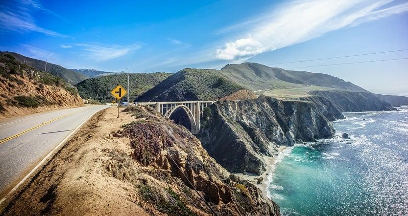 Estradas em Santa Bárbara e na Califórnia