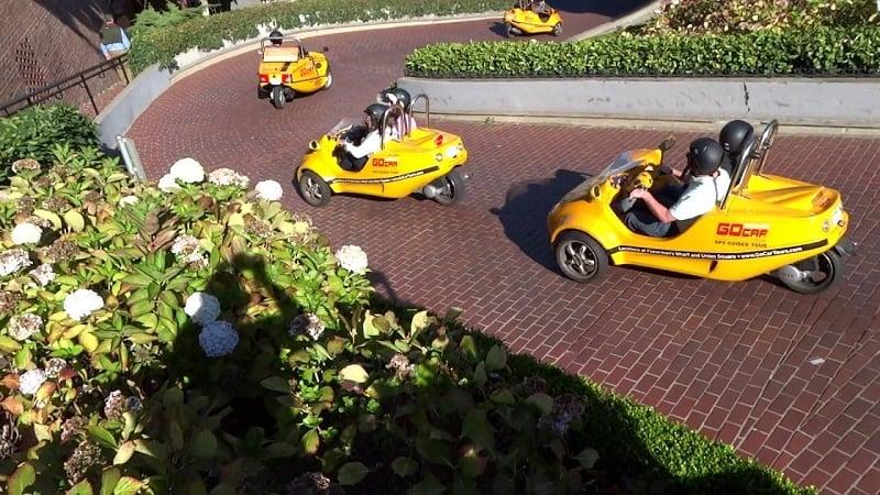 Descer a Lombard Street de Go Car