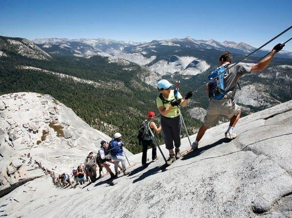 Trilhas e tours esportivos em Yosemite na Califórnia