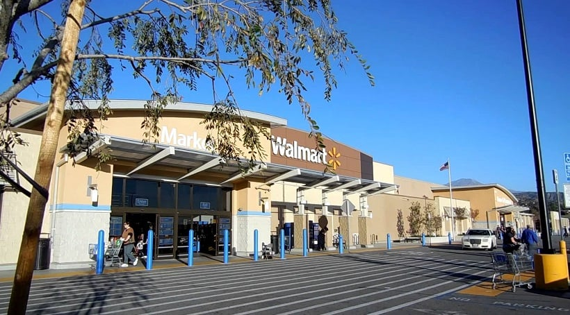 Loja e supermercado Walmart na Califórnia