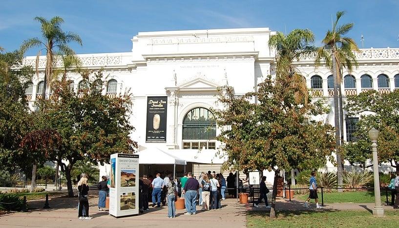 Informações sobre o Museu de História Natural de San Diego