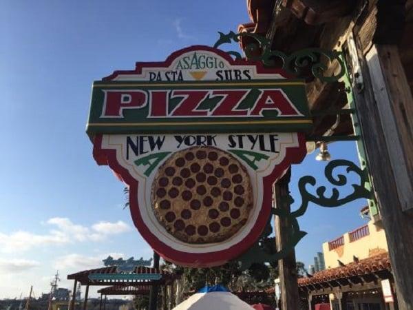 Asaggio Pizza Pasta Plus em Seaport Village em San Diego