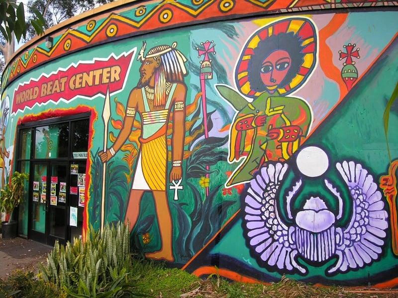 Informações sobre o Centro Cultural de La Raza em San Diego