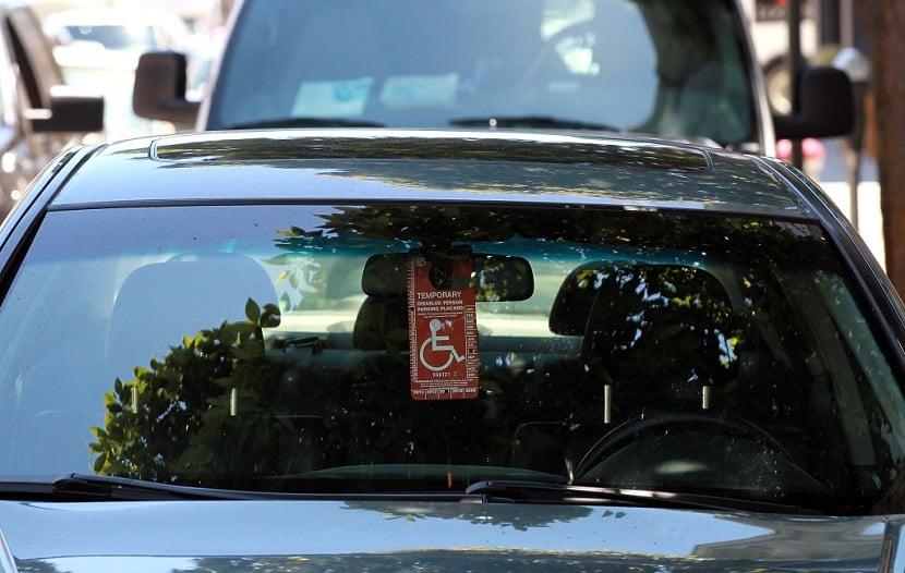 Deficientes físicos em carros alugados na Califórnia