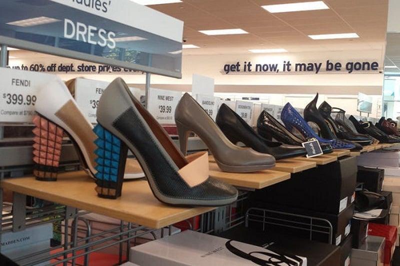 Lojas de departamento para compra de sapatos em Los Angeles