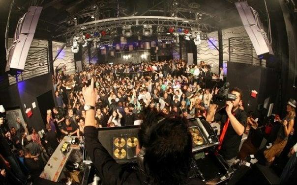 Música na balada Voyeur Nightclub em San Diego