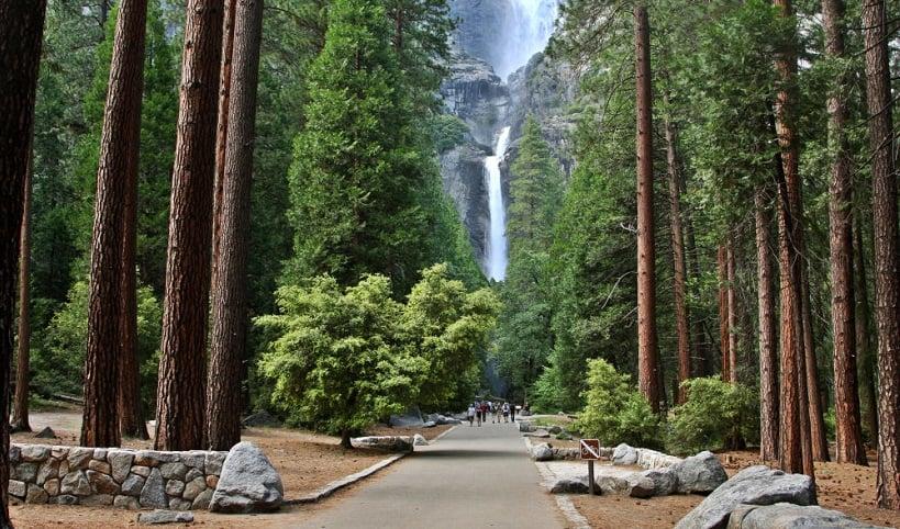 Cataratas de Yosemite no Parque Nacional de Yosemite na Califórnia