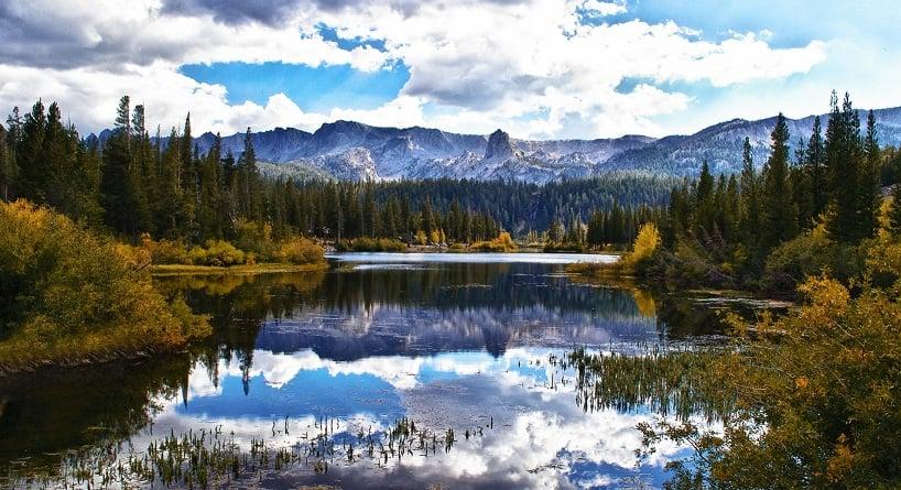 Cidade Mammoth Lakes na Califórnia