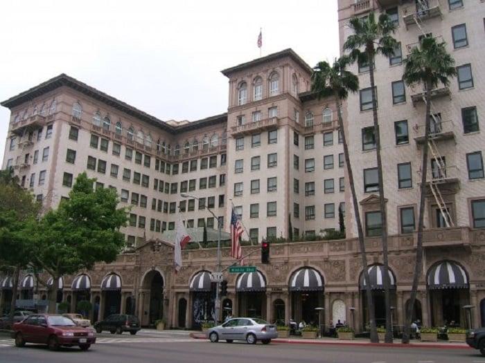 Passeio por Beverly Hills no verão em Los Angeles