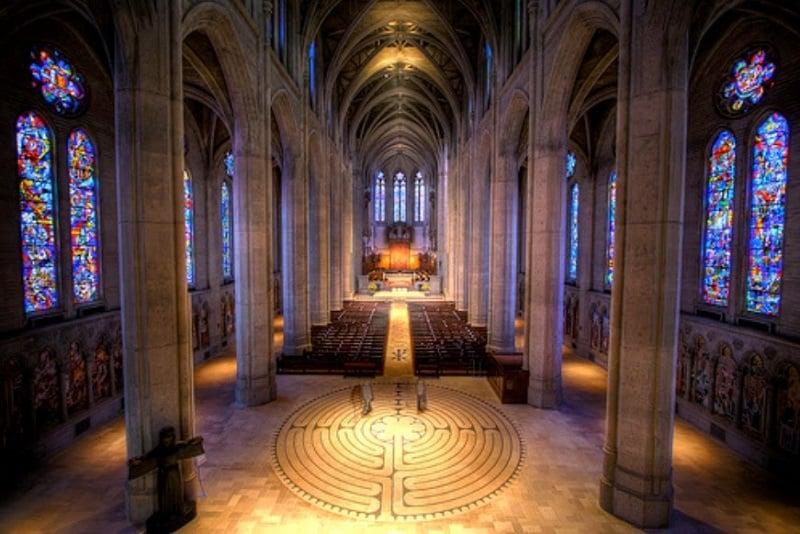 Tour pela Grace Cathedral em San Francisco