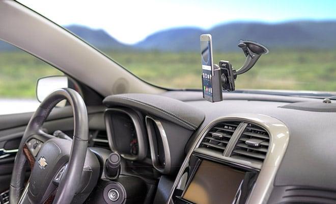 GPS no carro em uma viagem de Las Vegas à Santa Bárbara