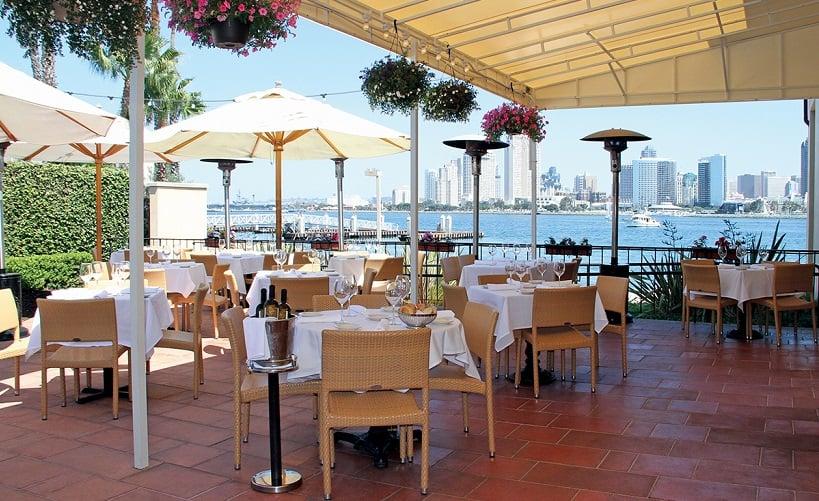 Estrutura do Restaurante IL Fornaio Cucina Italiana na Ilha de Coronado
