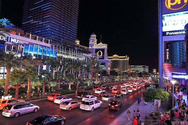 Dirigir em Las Vegas e na Califórnia