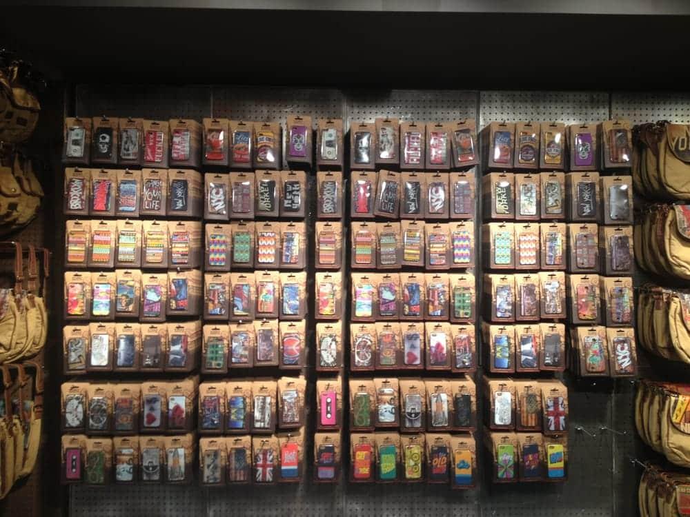 Capinhas de celular na Loja Studio Manhattan Art + Design em San Francisco