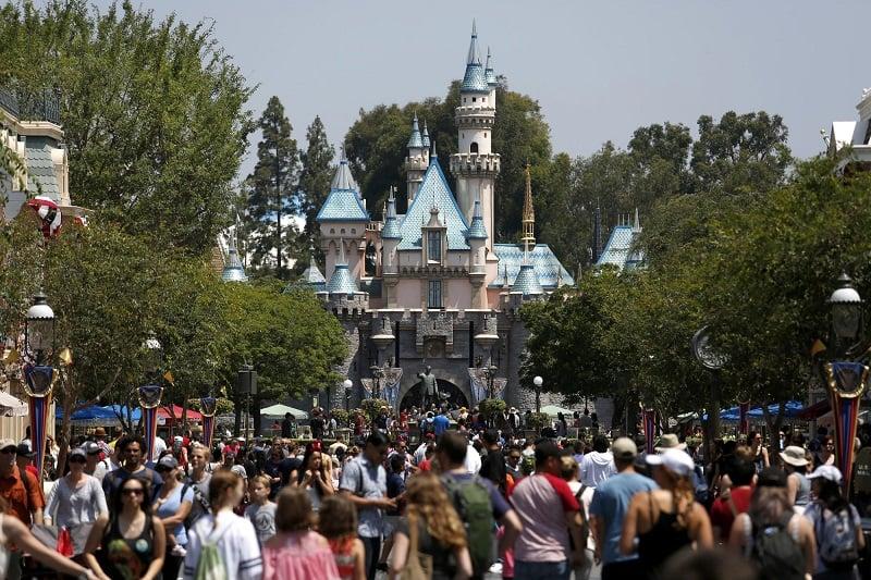 Se divertir muito na Disneylândia em Anaheim