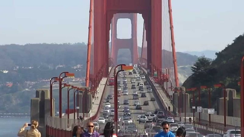 Andar de bike na travessia da Golden Gate Bridge em Sausalito
