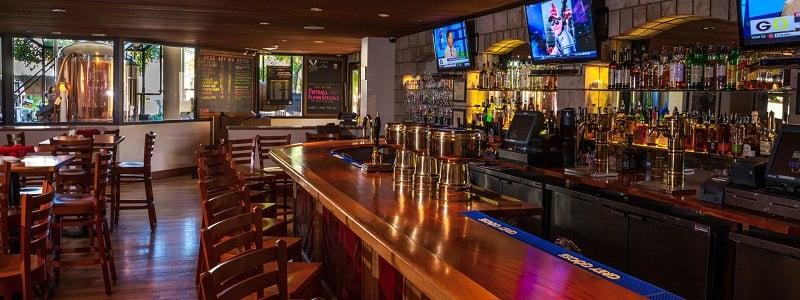 Noite nos bares em Monterey