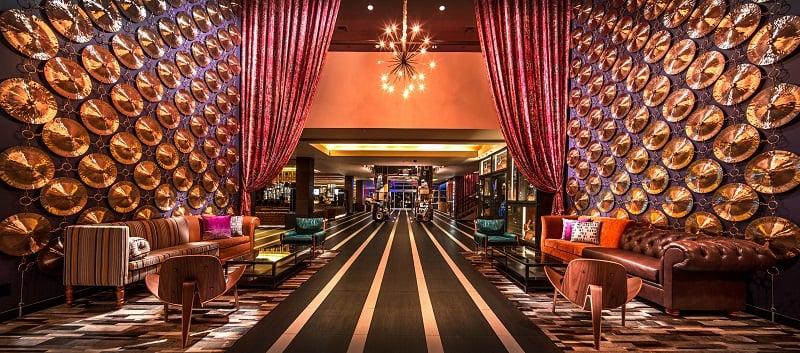 Noite no Hard Rock Hotel em Palm Springs