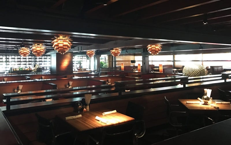 Noite nos restaurantes em Pasadena