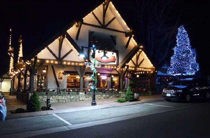 Noite nos restaurantes de Big Bear Mountain