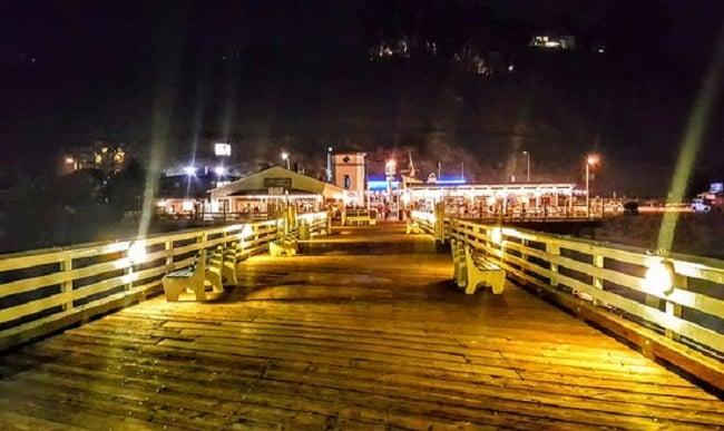 Noite no Pier em Malibu