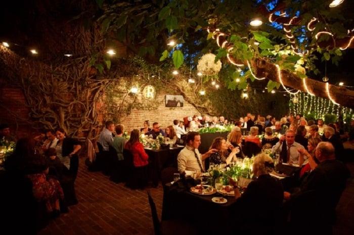 Noite nos restaurantes em Sacramento