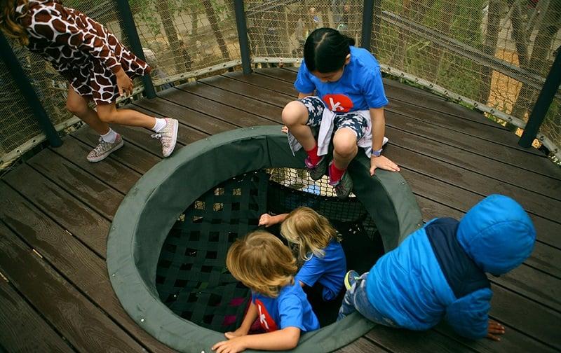Kidspace Children's Museum com crianças em Pasadena