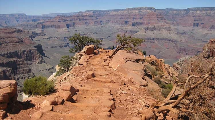 Explorar as diferentes trilhas no Grand Canyon