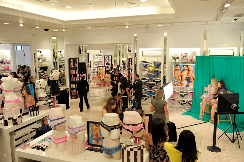 Interior da loja Victoria's Secret